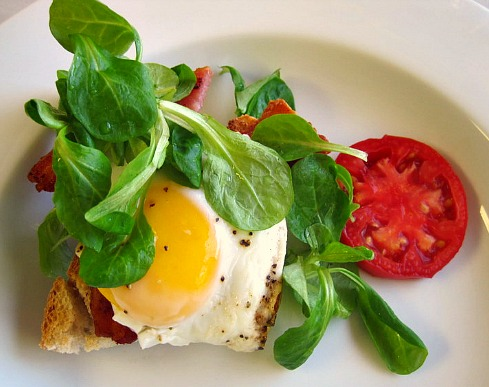 Bacon and Egg on Toast with Vinaigrette