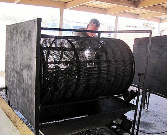 Equipment used to roast chiles