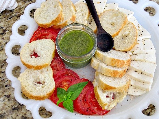 Appetizer plate with Fresh Pesto