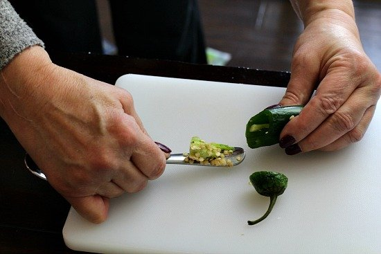 easy way to deseed a jalapeno