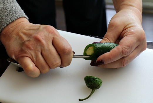 how to easily deseed a jalapeno