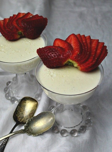 Colorado Creme Dessert. A French Custard that is sure to please anyone in your crowd. Absolutely delicious in a classy and decadent way.