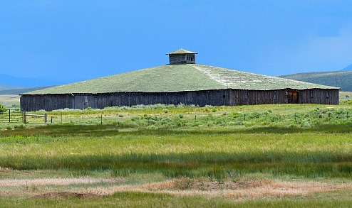 Barn-Arapaho-National-Wildlife-refuge