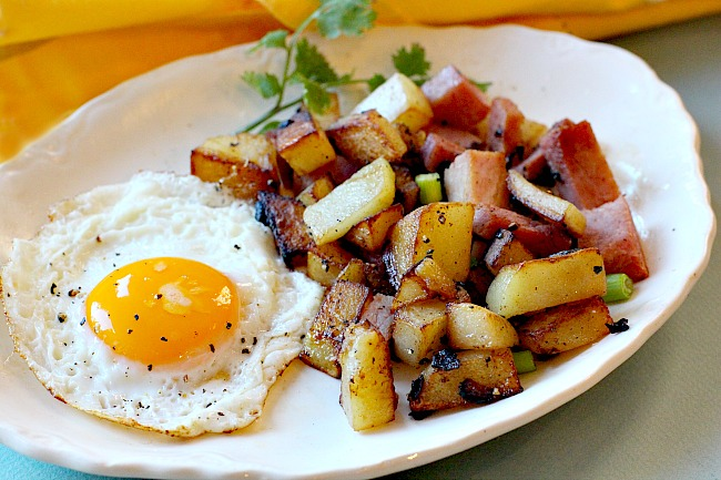 Country Fried Potatoes with Ham and a fried egg