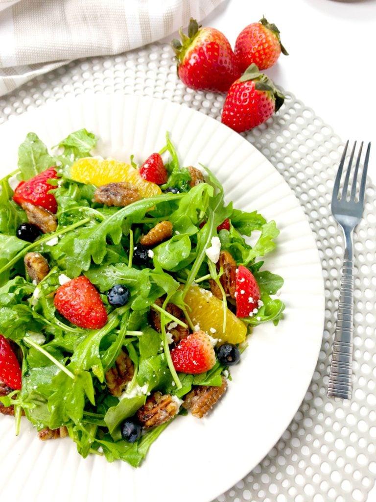 Arugula berry citrus salad side dish