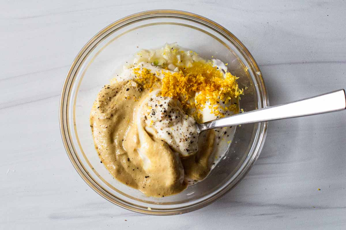 ingredients to make lemon garlic aioli using mayonnaise
